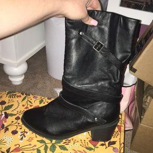 Shoes - Black boots wide